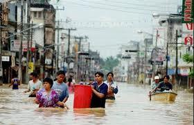 maltempo e inondazioni in Thailandia, problemi viabilità