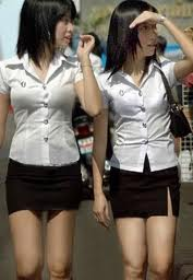 Ragazze di scuola thailandesi in divisa