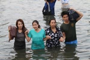 allarme Bangkok; famiglia thai evacuata