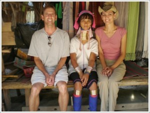 Turisti in visita villaggio Thai