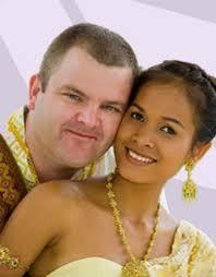 Uomo innamorato in Thailandia con l'amata