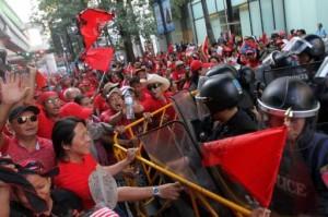 "Tailandesi anti-governativi ""camicie rosse"" a Bangkok"