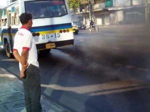 traffico e aria inquinata Bangkok