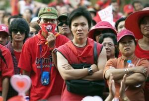 Thailandia, tornano a Bangkok camicie rosse