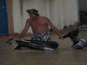 situazione meteo Patong-thailandia, turista in difficoltà