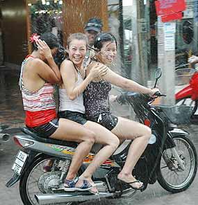 Ragazze thai al Songkran festival