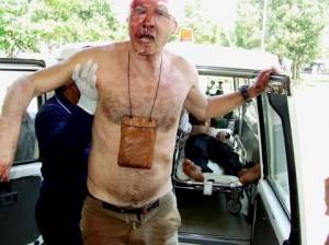 Bagno di sangue sulla strada tra Cambogia e Thailandia, decine di turisti coinvolti