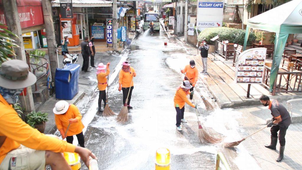 Coronavirus, sanificazione delle strade a pattaya